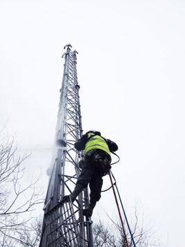 Cleaning Telecom Antenna Masts Hiline Abseiling